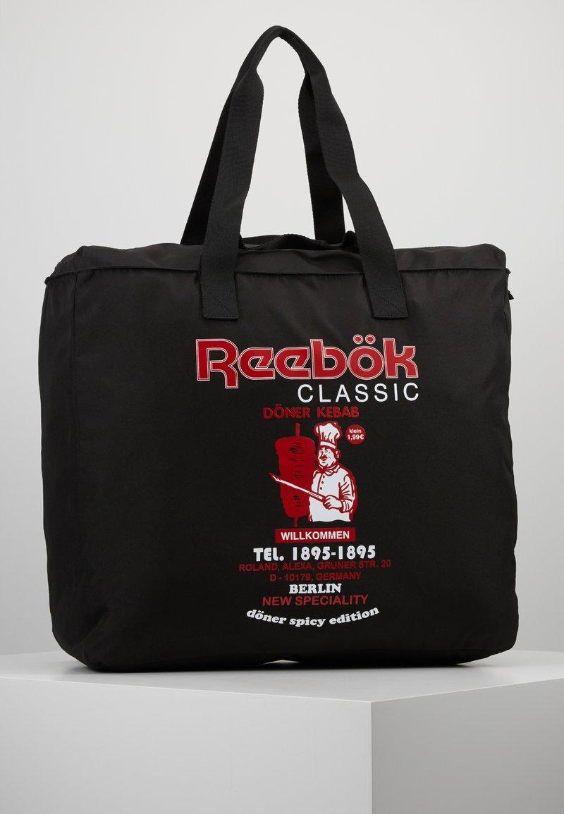 Reebok Classic - GRAPHIC FOOD TOTE - Sporttasche - black