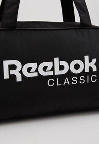 Reebok Classic - CORE DUFFLE - Sporttas - black - 7