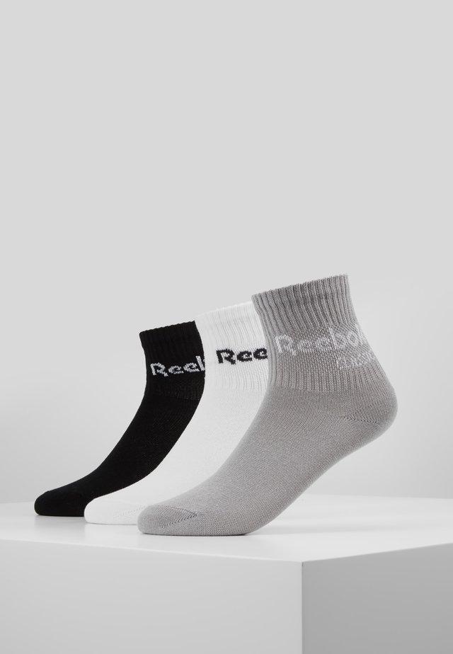CORE CREW 3PACK - Ponožky - black/white/medium grey heather