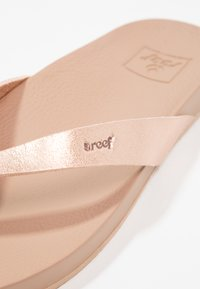 Reef - CUSHION BOUNCE COURT - T-bar sandals - rose gold - 5