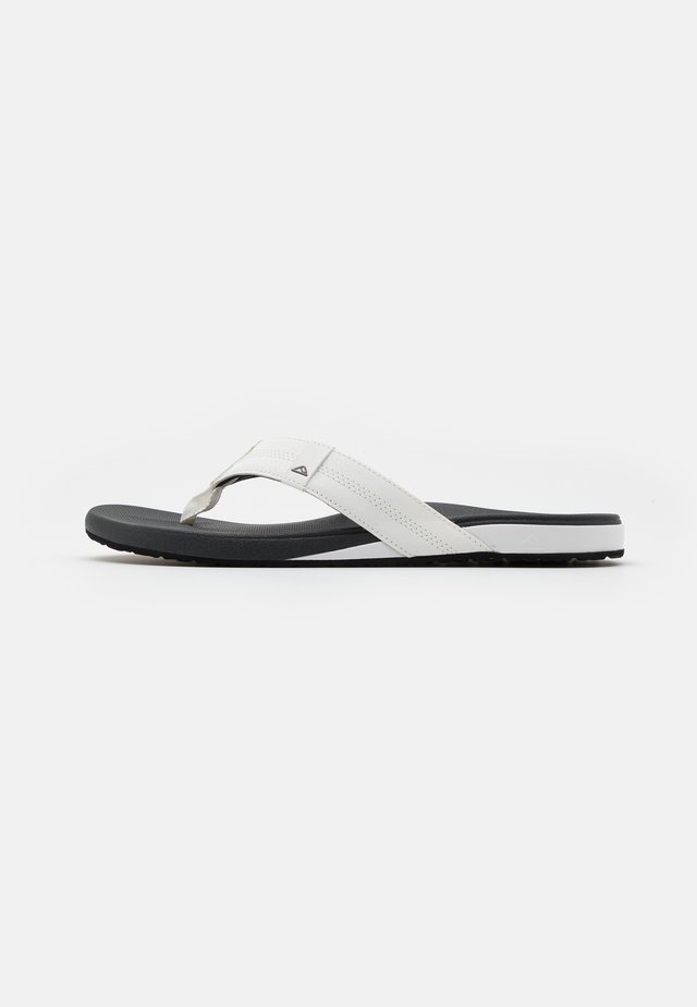 CUSHION BOUNCE PHANTOM - Flip Flops - white/charcoal