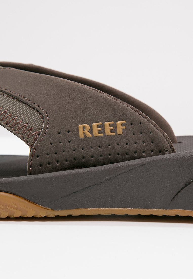 Reef Fanning - Tåsandaler Brown