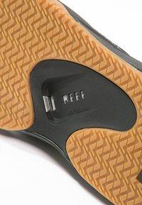 Reef - FANNING - Infradito - black/silver - 5
