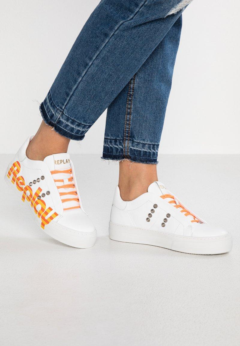 Replay - VIVIEN - Sneakers laag - white/orange/yellow
