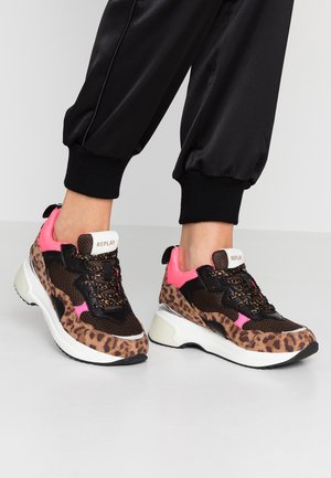 PLUS - Trainers - brown/pink