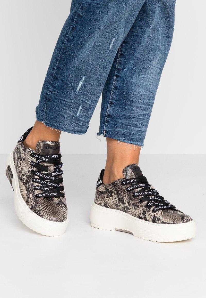 Replay - FINAL - Sneaker low - brown