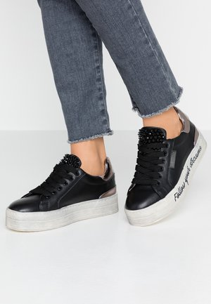 SHIELDS - Sneaker low - black