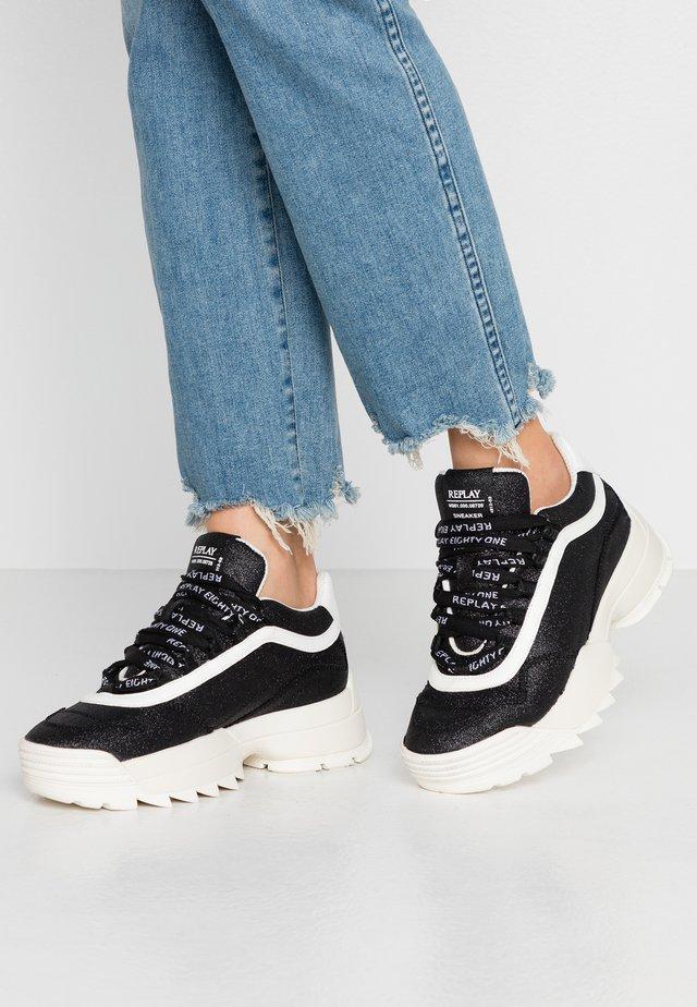 ROSWHITE - Sneakers laag - black