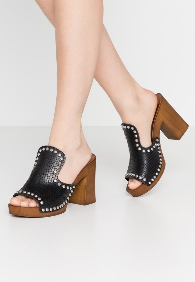 EASTRY - Clogs - black