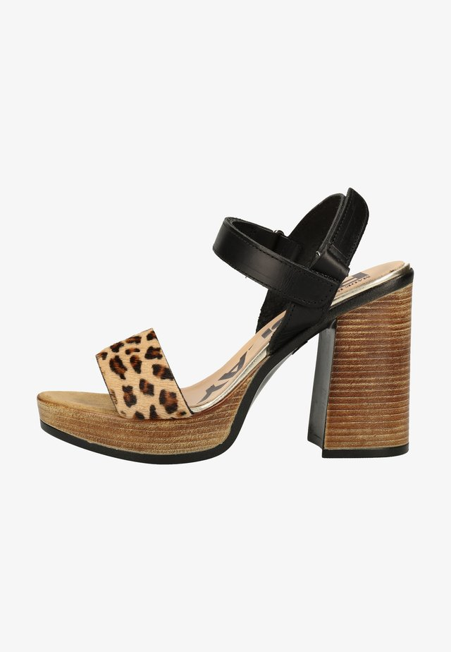 Sandały na obcasie - black leopard