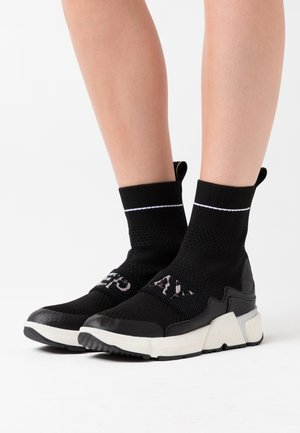 MIKI YASKA - High-top trainers - black