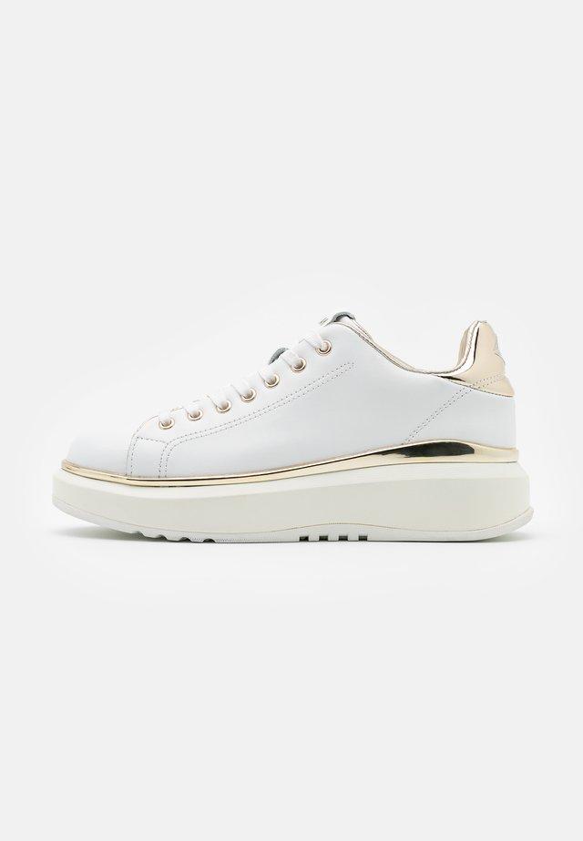 ULTRA BIRCH - Sneaker low - white