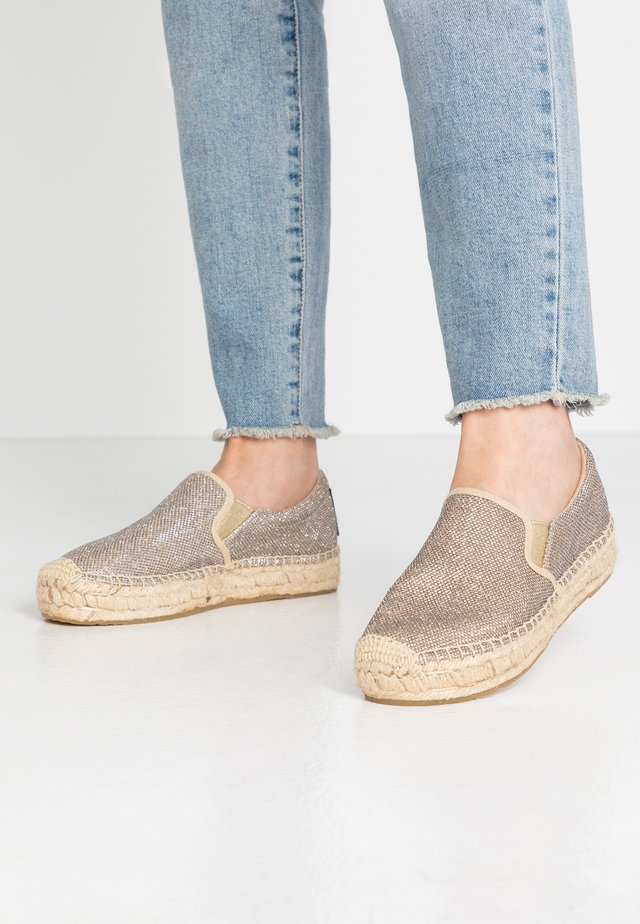LAWTON - Loafers - platin