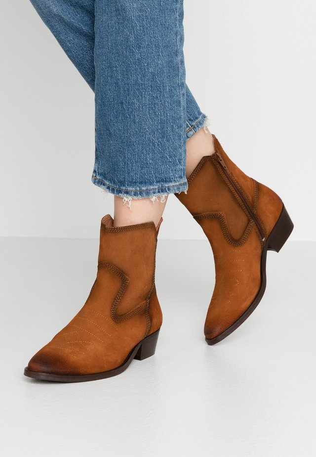 PRIMORDIAL - Cowboystøvletter - tan