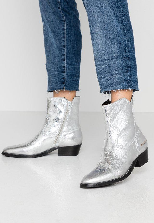 SEASIDE - Cowboy/biker ankle boot - silver