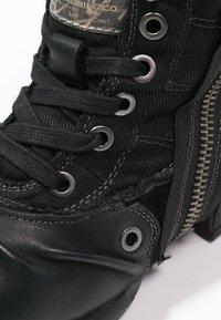 Replay - CLUTCH - Nauhalliset nilkkurit - black - 5