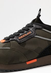 Replay - STONEWALL - Trainers - military green/orange - 6