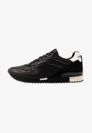 BUCKCODE - Sneakersy niskie - black