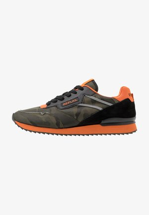CONTENT - Trainers - military green/orange