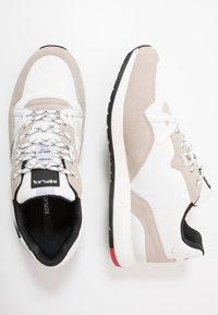 Replay - LIMERIK - Sneakersy niskie - white/black - 1