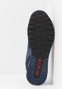 Replay - TIGHER - Sneakersy niskie - navy/orange - 4