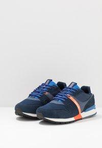 Replay - TIGHER - Sneakersy niskie - navy/orange - 2