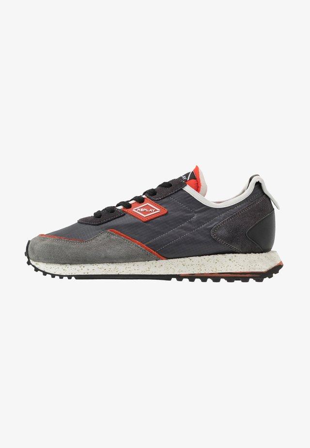 DRUM ROAD - Sneaker low - grey/dark orange