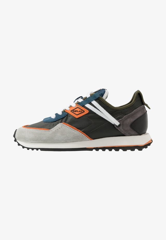 DRUM PRO WAVE - Sneaker low - green/blue