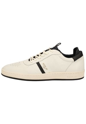 Trainers - off wht black 112