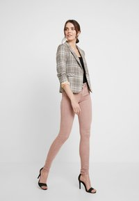 Replay - NEW LUZ - Jeans Skinny Fit - light pink - 1