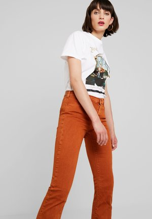 STELLA FLARE - Bootcut jeans - caramel