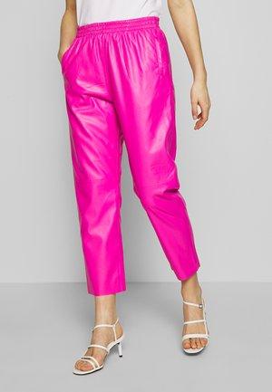 PANTS - Pantaloni - pink