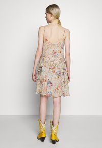 Replay - DRESS - Freizeitkleid - beige/multi-coloured - 2