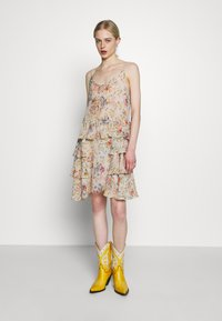 Replay - DRESS - Freizeitkleid - beige/multi-coloured - 1