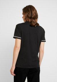 Replay - T-shirt z nadrukiem - blackboard - 2