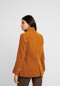 Replay - JACKET - Pitkä takki - amber - 2