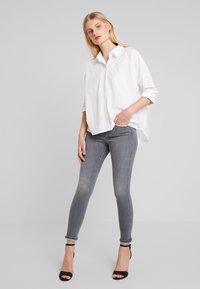 Replay - STELLA - Jeans Skinny Fit - medium grey - 1