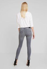 Replay - STELLA - Jeans Skinny Fit - medium grey - 2