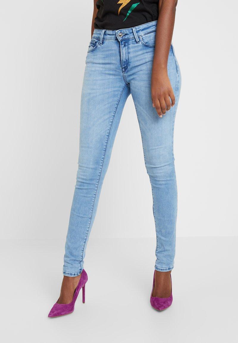 Replay - LUZ HIGH WAIST HYPERFLEX CLOUDS - Jeans Skinny Fit - light blue