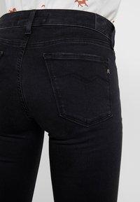 Replay - LUZ HIGH WAIST HYPERFLEX CLOUDS - Jeans Skinny Fit - black - 5