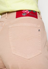 Replay - MARTY - Jeans baggy - powder - 4