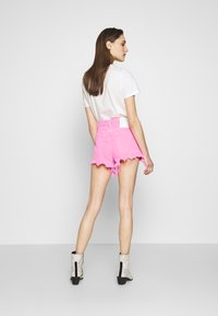 Replay - Shorts di jeans - neonpink - 2