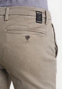 Replay - ZEUMAR HYPERFLEX  - Trousers - khaki - 5