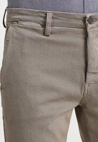 Replay - ZEUMAR HYPERFLEX  - Trousers - khaki - 3
