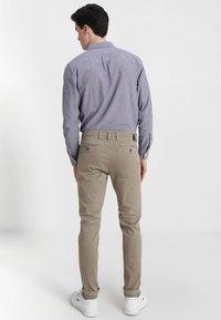 Replay - ZEUMAR HYPERFLEX  - Trousers - khaki - 2
