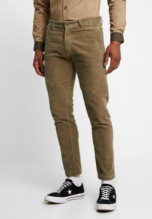 CORDUROY PANTS - Spodnie materiałowe - hazelnut