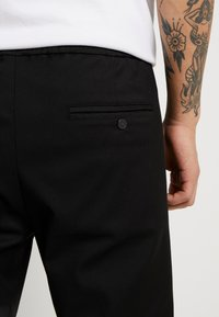 Replay - Pantaloni - black - 4
