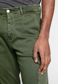 Replay - JAAN HYPERFLEX - Cargo trousers - hunter green - 3