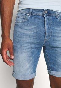 Replay - Jeans Shorts - blue denim - 3