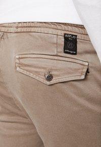 Replay - SERAF HYPERFLEX - Shorts - sand - 4